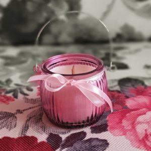 Lumânare pentru aromaterapie, naturală, cu fitil de lemn tropical şi cu ulei esenţial de lavandă, în felinar