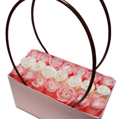 Aranjament Gentuta din flori parfumate de săpun, 14 trandafiri roz, 7 trandafiri albi