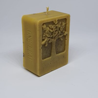 """Lumanare ceara naturala de albine artizanat """"Leaf"""", 7 cm"""