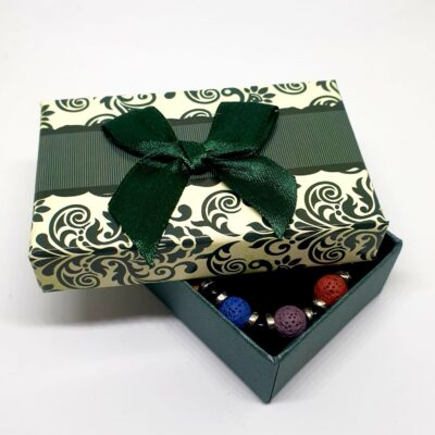 Bratara multicolora cu roci vulcanice pentru aromaterapie in cutiuta cadou